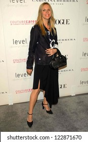 LOS ANGELES - NOVEMBER 13: Lauralee Bell at the opening of the Carolina Herrera Los Angeles Boutique at Carolina Herrera on November 13, 2006 in Los Angeles, CA.