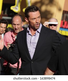 """LOS ANGELES - OCT 02:  HUGH JACKMAN arrives to the """"Real Steel"""" Los Angeles Premiere  on Oct 02, 2011 in Universal City, CA"""