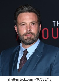 """LOS ANGELES - OCT 10:  Ben Affleck arrives to """"The Accountant"""" Los Angeles Premiere on October 10, 2016 in Hollywood, CA"""