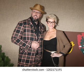 "LOS ANGELES - OCT 10:  Chris Sullivan, Rachel Reichard at the ""Camping"" HBO Premiere Screening at the Paramount Studios on October 10, 2018 in Los Angeles, CA"