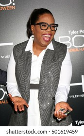 """LOS ANGELES - OCT 17:  Oprah Winfrey at the """"Tyler Perry's BOO! A Madea Halloween"""" Premiere at the ArcLight Hollywood on October 17, 2016 in Los Angeles, CA"""