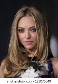 """LOS ANGELES - OCT 20:  Amanda Seyfried arriving to """"In Time"""" Los Angeles Premiere  on October 20, 2011 in Westwood, CA"""