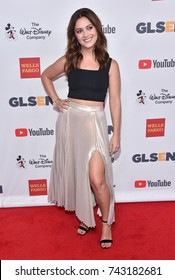 LOS ANGELES - OCT 20:  Billie Lourd arrives for the GLSEN Respect Awards 2017 on October 20, 2017 in Beverly Hills, CA