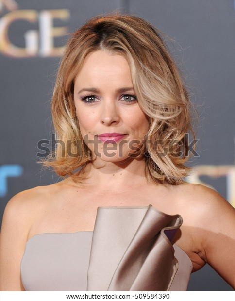 """LOS ANGELES - OCT 20:  Rachel McAdams arrives to the """"Doctor Strange"""" World Premiere on October 20, 2016 in Hollywood, CA"""