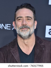 LOS ANGELES - OCT 22:  Jeffrey Dean Morgan arrives for the 'The Walking Dead' Season 8 Premiere on October 22, 2017 in Hollywood, CA