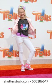 LOS ANGELES - OCT 23:  JoJo Siwa at the Trolls Premiere at Village Theater on October 23, 2016 in Westwood, CA