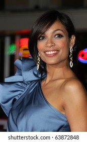 """LOS ANGELES - OCT 26:  Rosario Dawson arrives at the """"Unstoppable"""" Premiere at Regency VIllage Theater on October 26, 2010 in Westwood, CA"""