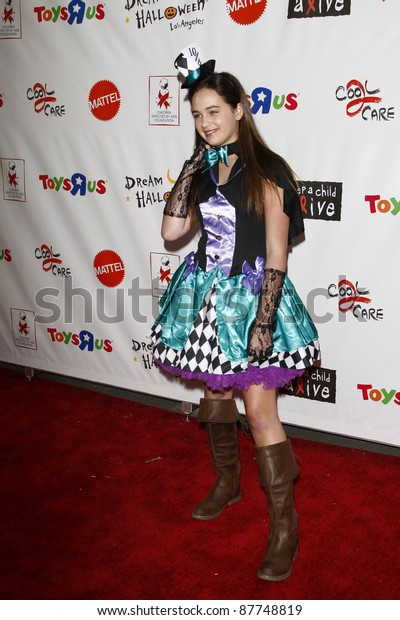 Los Angeles Oct 29 Mary Mouser Stock Photo (Edit Now) 87748819