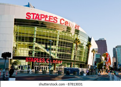 LOS ANGELES - OCT 30, 2011: The Staples Center at LA Live in the early morning before the Rock 'n Roll Marathon in Los Angeles on October 30, 2011.