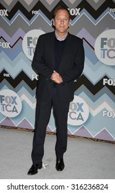 LOS ANGELES - OCT 4:  Kiefer Sutherland arrives at the 2013 FOX Winter TCA All Star Party  on January 8, 2013 in Pasadena, CA