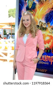 """LOS ANGELES - OCT 7:  Wendy McLendon-Covey at the """"Goosebumps 2: Haunted Halloween"""" Special Screening  at the Sony Pictures Studios on October 7, 2018 in Culver City, CA"""