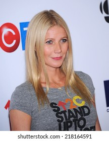 LOS ANGELES - SEP 05:  Gwyneth Paltrow arrives to the Stand Up To Cancer 2014  on September 05, 2014 in Hollywood, CA