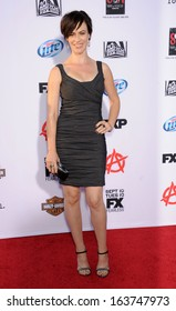 """LOS ANGELES - SEP 07:  Maggie Siff arrives to """"Sons of Anarchy"""" Season 6 Premiere  on September 07, 2013 in Hollywood, CA"""