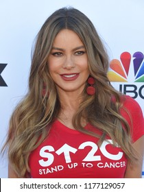 LOS ANGELES - SEP 07:  Sofia Vergara arrives to the Stand Up To Cancer 2018  on September 7, 2018 in Santa Monica, CA
