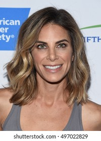 LOS ANGELES - SEP 09:  Jillian Michaels arrives to the Stand Up To Cancer 2016 on September 09, 2016 in Hollywood, CA