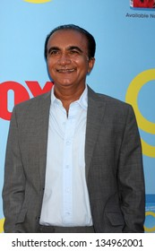 LOS ANGELES - SEP 12:  Iqbal Theba arrives at the Glee 4th Season Premiere Screening at Paramount Theater on September 12, 2012 in Los Angeles, CA