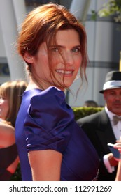 LOS ANGELES - SEP 15:  Lake Bell arrives at the  Primetime Creative Emmys 2012 at Nokia Theater on September 15, 2012 in Los Angeles, CA