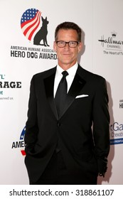 LOS ANGELES - SEP 19:  James Denton at the 5th Annual American Humane Association Hero Dog Awards at the Beverly Hilton Hotel on September 19, 2015 in Beverly Hills, CA