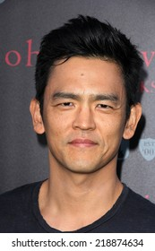 LOS ANGELES - SEP 21:  John Cho at the John Varvatos And Ringo Starr Celebrate International Peace Day at John Varvatos on September 21, 2014 in West Hollywood, CA