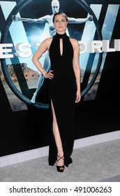 """LOS ANGELES - SEP 28:  Evan Rachel Wood at the HBO's """"Westworld"""" Los Angeles Premiere at the TCL Chinese Theater IMAX on September 28, 2016 in Los Angeles, CA"""