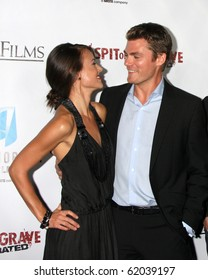 """LOS ANGELES - SEP 29:  Sarah Butler, Jeff Branson arrives at the """"I Spit on Your Grave"""" Premiere at Mann Chinese 6 Theaters - Hollywood & Highland on September 29, 2010 in Los Angeles, CA"""