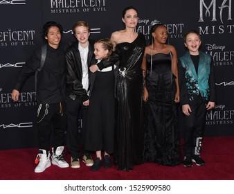 LOS ANGELES - SEP 30:  Pax, Shiloh Jolie-Pitt, Vivienn, Angelina Jolie, Zahar and Knox Jolie-Pitt arrives for 'Maleficent: Mistress of Evil' World Premiere