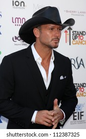 LOS ANGELES - SEP 7:  Tim McGraw arrives at the 2012 Stand Up To Cancer Benefit at Shrine on September 7, 2012 in Los Angeles, CA