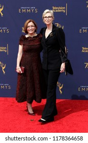 LOS ANGELES - SEP 9:  Jennifer Cheyne, Jane Lynch at the 2018 Creative Arts Emmy Awards - Day 2 - Arrivals at the Microsoft Theater on September 9, 2018 in Los Angeles, CA
