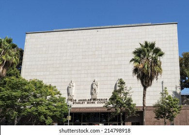 los angeles superior court building and statues detail