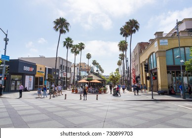 LOS ANGELES, USA - AUGUST 18, 2017: Third Street Promenade in Santa Monica is a popular shopping street and attraction. Editorial.
