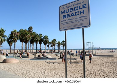 """Los Angeles, USA - July 30, 2017: Sign on the beach declairing """"Muscle Beach"""" at Venice beach"""