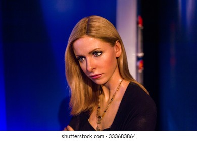 LOS ANGELES, USA - SEP 28, 2015: Sarah Michelle Geller in the  Madame Tussauds Hollywood wax museum. Marie Tussaud was born as Marie Grosholtz in 1761