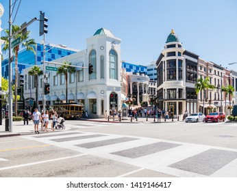 LOS ANGELES, USA - SEPTEMBER 20: Beverly Hills on September 20, 2015 in Los Angeles, United States. It is home to many actors and celebrities. The city includes the Rodeo Drive shopping district.
