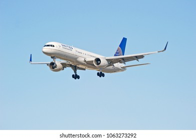 LOS ANGELES/CALIFORNIA - FEB. 24, 2018: United Airlines Boeing 757-222 aircraft approaching the runway to make a landing at Los Angeles International Airport. Los Angeles, California USA