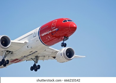 LOS ANGELES/CALIFORNIA - JUNE 24, 2017: Norwegian Airlines Boeing 787 Dreamliner aircraft approaching the runway for a landing at Los Angeles International Airport. Los Angeles, California USA