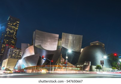,Los Angeles,usa -07/13/16. Walt disney concert hall at night with traffic light.