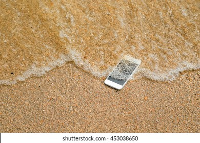 Lost Phone.Phone fell Disappear at beach