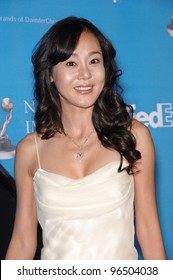 """""""Lost"""" star YUNJIN KIM at the 37th Annual NAACP Image Awards at the Shrine Auditorium, Los Angeles. February 25, 2006  Los Angeles, CA  2006 Paul Smith / Featureflash"""