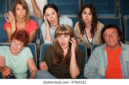 Loud woman on phone annoys audience in theater