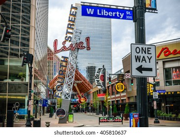 LOUISVILLE, KENTUCKY, USA - APRIL 10, 2016. Fourth Street Live an entertainment and retail complex located in Louisville Kentucky.