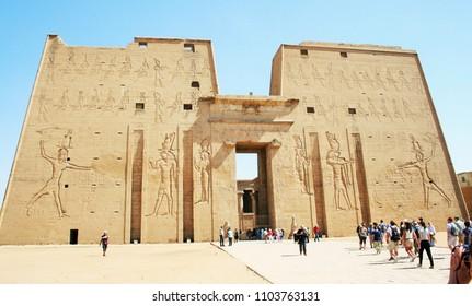 Louxor, egypte - april 2018 : Temple of Edfu near Luxor in Egypt