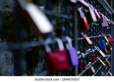 Love is in the air like a lovelock