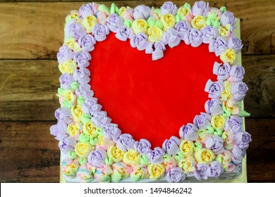 Love shape cake decoration using Russian piping tips