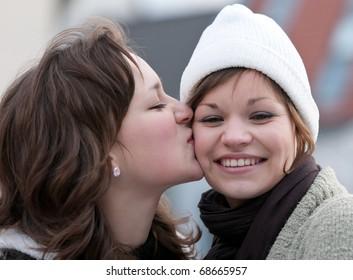 Love - Sisters
