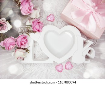love valentine's day gift box with hearts and rose flowers background