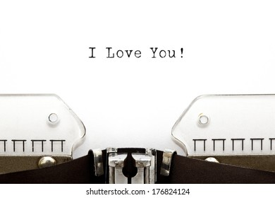 I Love You printed on an old typewriter.