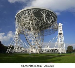 The Lovell Radio Telescope seen from below