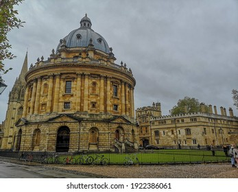 It is a lovely building In Oxford, England