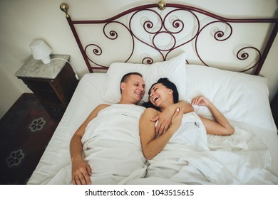 Husband Kissing Wife Images, Stock Photos & Vectors