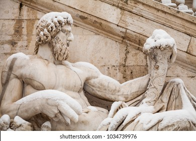 A lovely day of snow in Rome, Italy, 26th February 2018: a beautiful view of Fontana della Dea Roma under the snow